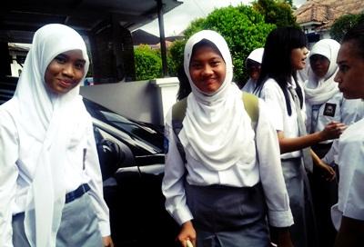 Reta Riayu Putri's (SMAN 1 Batam)