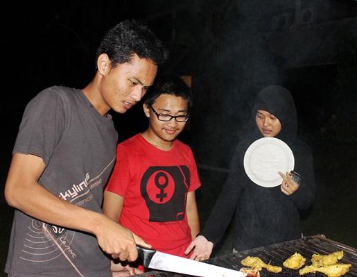 Faizal Ibrahim, M. Luqman Hidayat, Hania Rizkieta Hazah