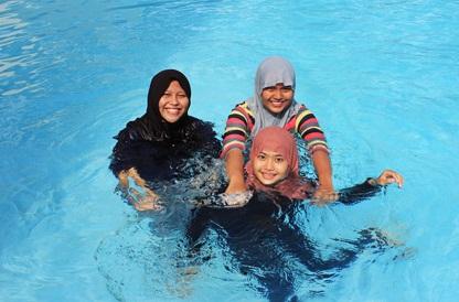 Reta Riayu Putri, Hania Rizkieta Hazah, Ika Putri Syawaliani