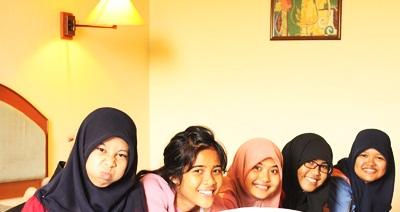 Mila Baarik Iman Sari, Chantika Karina, Hania Rizkieta Hazah, Aulia Riski Molanda, Rama Fitria Revoni